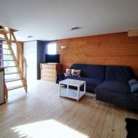 Blick vom Essbereich zur Couch-Ecke